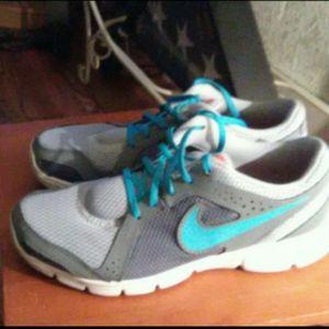 Nike Cross trainer  Sneakes